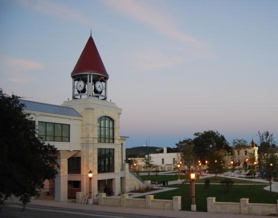 kerrville-city-hall-clock